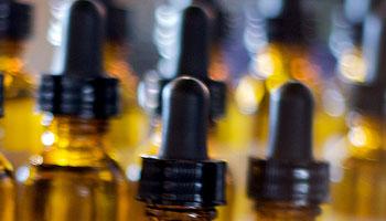 Castoreum zählt zu den vielen möglichen Inhaltsstoffen von Parfum